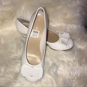 American Eagle Mairin Girls White Wedge